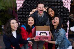 Steven Universe Voice Talent Serves Series-Inspired Doughnuts to Fans